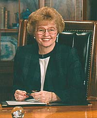 Former Oregon Governor Barbara Roberts